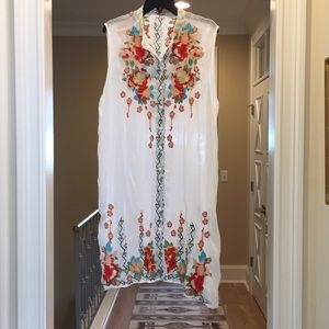 Johnny Was sleeveless embroidered dress (bw)
